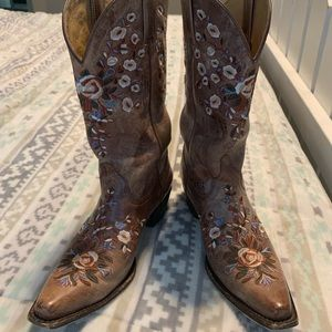 e76f3994d7 Shyanne Shoes | Floral Embroidered Cowgirl Boots | Poshmark